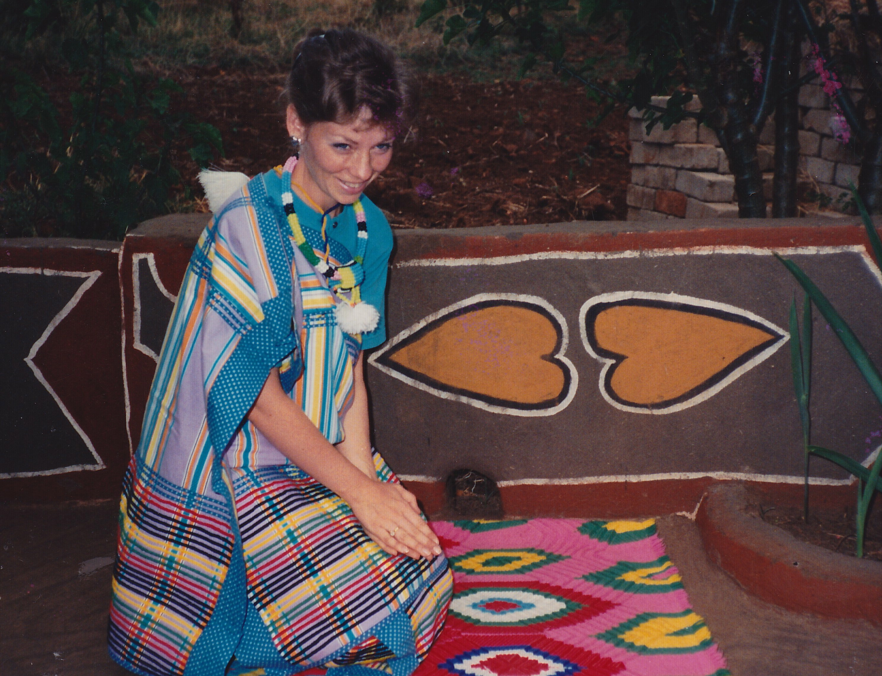Thohoyandou life ana wearing a venda traditional outfit and greeting respectfully m4hsunfo